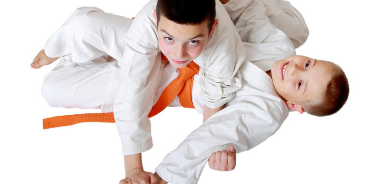 Small sportsmen training techniques hold hands